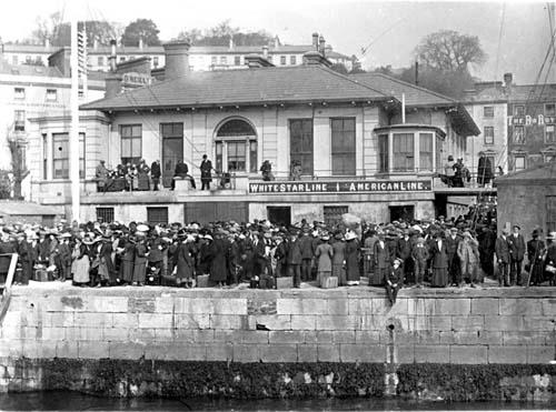 Titanic spectators