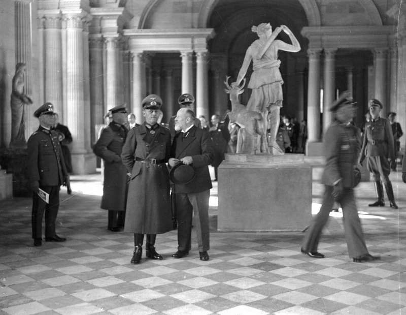 Louvre and the Nazis