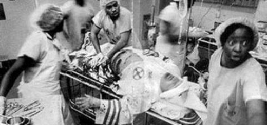 Black doctors perform on KKK patient