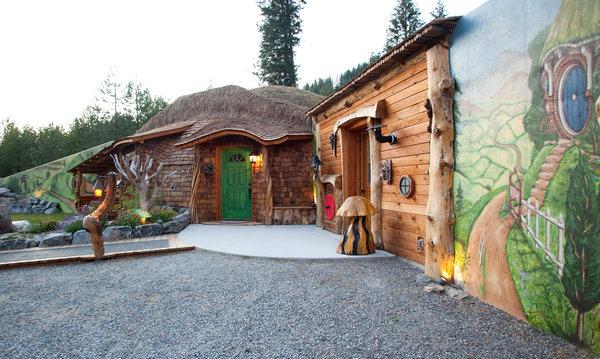 the hobbit house montana